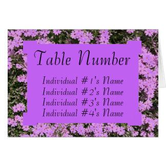 Modelo roxo do cartão do lugar da mesa do