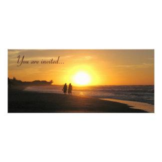 Modelo tropical do convite do casamento de praia