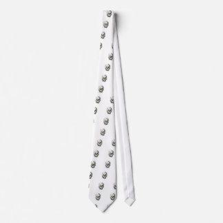 molde verde no crânio gravata