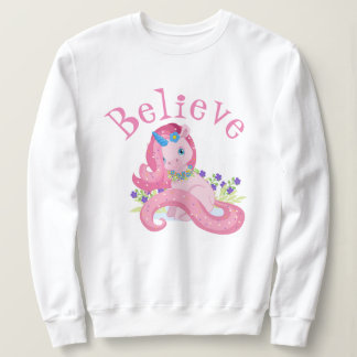 Moletom O unicórnio cor-de-rosa bonito acredita