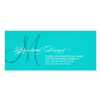Monograma azul do convite do jantar de ensaio do A