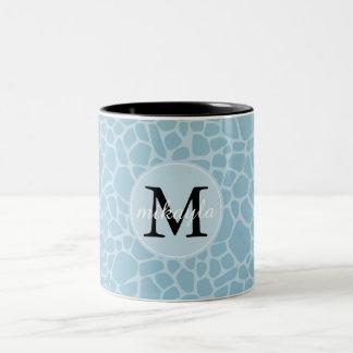 Monograma azul do impressão do girafa caneca de café em dois tons