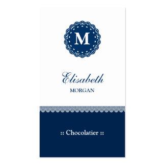 Monograma azul elegante do laço de Chocolatier Cartão De Visita