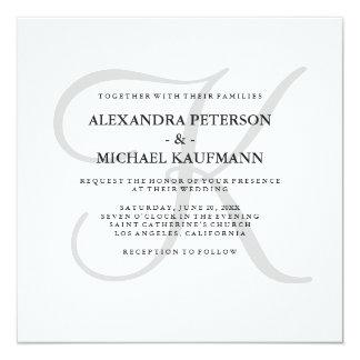 Monograma clássico moderno no casamento cinzento convite quadrado 13.35 x 13.35cm