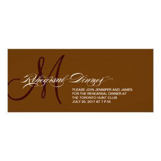 Monograma do convite do jantar de ensaio de Brown
