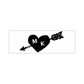 Monograma do costume do coração e da seta carimbo auto entintado