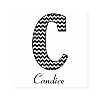Monograma e nome preto e branco da letra C de Carimbo Auto Entintado