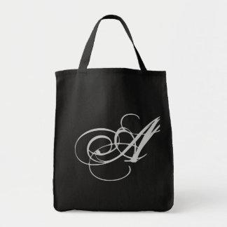 Monograma elaborado uma bolsa
