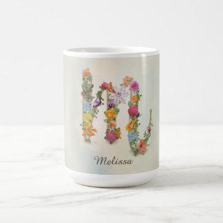 Monograma floral M, flores, caneca da letra M,