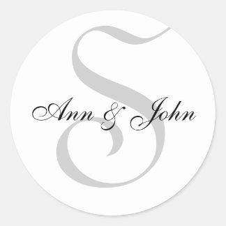 Monograma S mais etiquetas dos nomes para casament Adesivo Em Formato Redondo