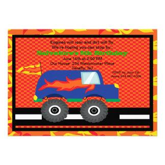 Monster truck com convite do aniversário das chama
