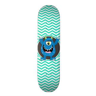 Monstro azul; Aqua Chevron verde Skate