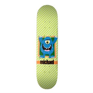 Monstro azul em listras do verde limão & do branco shape de skate 19,7cm