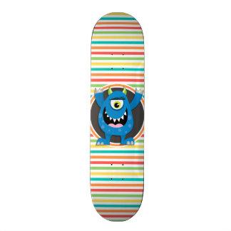Monstro azul; Listras brilhantes do arco-íris Skate