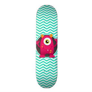 Monstro vermelho; Aqua Chevron verde Skates