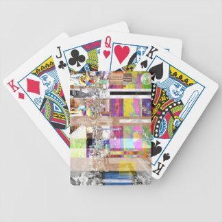 Montagem da mostra de arte jogos de cartas
