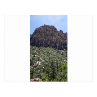 Montanha na rocha vermelha nanovolt cartão postal