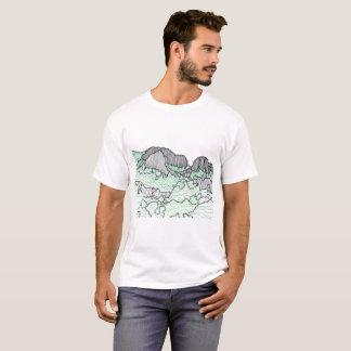 Montanhas e a lápis camisetas das árvores do