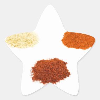 Montões de diversos especiarias do tempero no adesivo estrela