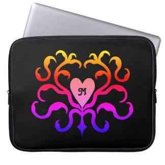 Motivo colorido vibrante do coração capa de notebook