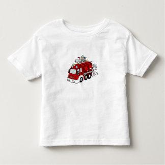 Motor & bombeiro vermelhos do carro de bombeiros camisetas