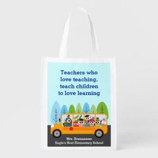 Motorista bonito da coruja do auto escolar sacolas reusáveis