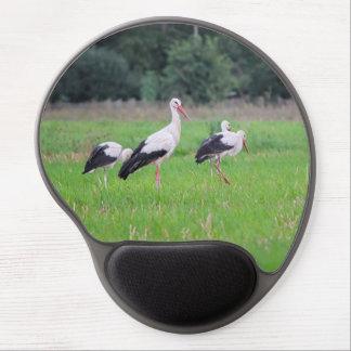 Mouse Pad De Gel Cegonhas brancas da migração, ciconia, em um prado