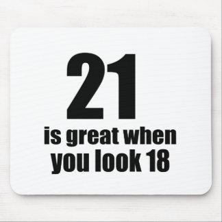 Mousepad 21 é grande quando você olha o aniversário
