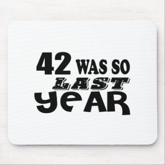 Mousepad 42 era assim tão no ano passado o design do
