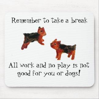 Mousepad A arte toda do cão de Terrier trabalha e nenhumas