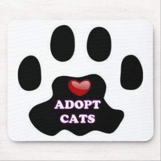 Mousepad A pata do gato adota gatos com coração vermelho