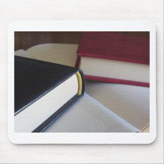 Mousepad A segunda mão registra com páginas vazias em uma