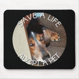 Mousepad Adote um salvamento do cão do lebreiro do costume