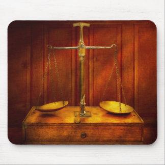 Mousepad Advogado - escala desequilibrada de justiça