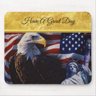 Mousepad Águia americana uma estátua da liberdade uma