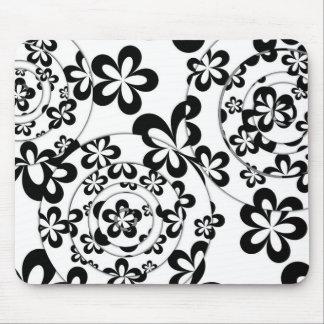 Mousepad Anéis e flores preto e branco