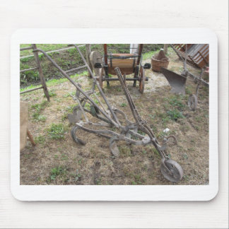Mousepad Arado velho do ferro e outras ferramentas