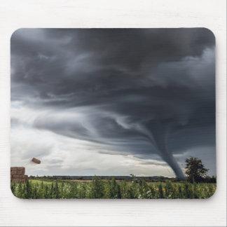 Mousepad Ataque o feno lifing do furacão ou do tornado no