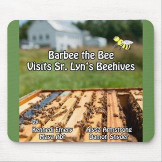 Mousepad Barbee a abelha visita o Sénior. A colmeia