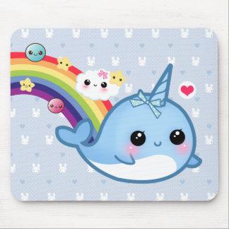 Mousepad Bebê bonito narwhal com arco-íris, nuvens e estrel