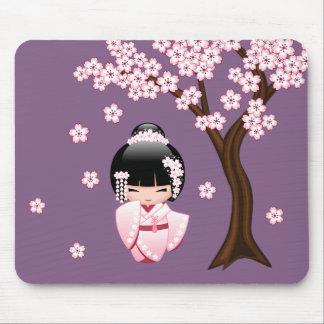 Mousepad Boneca branca de Kokeshi do quimono - menina de