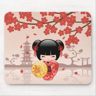 Mousepad Boneca vermelha de Sakura Kokeshi - gueixa