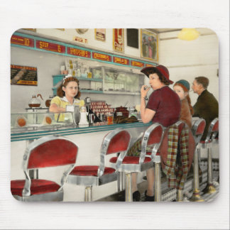 Mousepad Café - o lugar frequentado local 1941