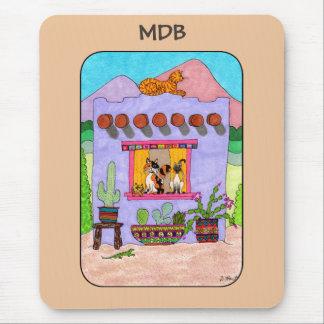 Mousepad Casa de Adobe & monograma roxos do costume de