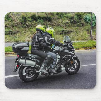 Mousepad Cavaleiros das motocicletas na avenida