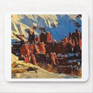 Mousepad cenas da rocha vermelha nevado
