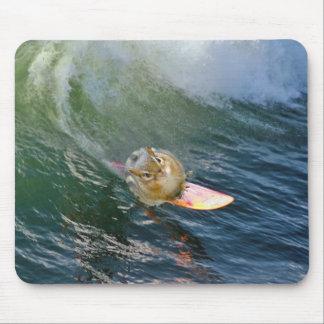 Mousepad Chipmunk surfando bonito