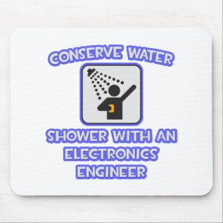 Mousepad Conserve a água. Regue o engenheiro electrónico de