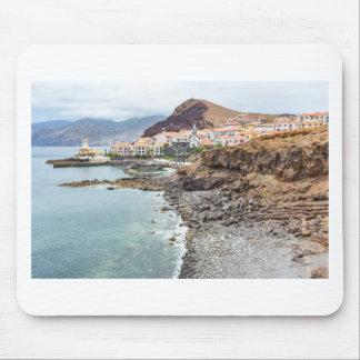 Mousepad Costa portuguesa com a vila de montanhas da praia