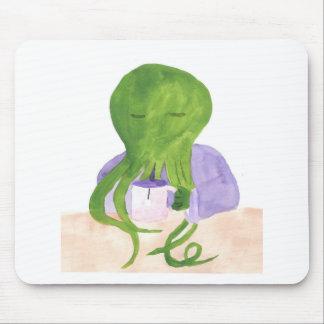 Mousepad Cthulhu tem um copo do chá